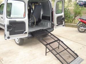 Rampa de acceso para sillas de ruedas, motos, cuatriciclos, etc